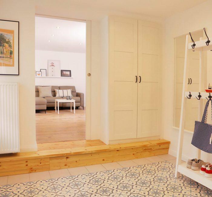 Eingangsbereich/ Blick zum Wohnzimmer